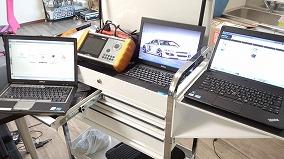 国産車、輸入車を問わず車両全般に使用できるテスター完備しています。各種診断機は下記内容の診断機です。 今の時代診断機なくしては車の修理は不可能といわれるほど、コンピューター化してきています。 細かな情報をえるためそれぞれ見合った診断機で診断を行い、確実な修理の一つとして最先端の修理を目指しています。 診断、サービスリセット、プログラミングなど御用命ありましたら藤井自動車にお任せください。※下記テスター名をクリックすると詳細がご覧になれます。
